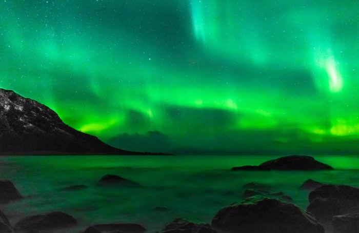 staying near blue lagoon to see northern lights