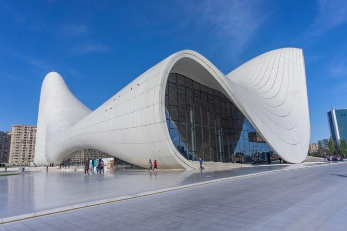 Baku itinerary: heydar aliyev centre