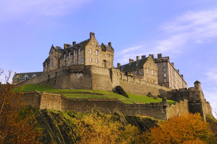 Seeing Edinburgh Castle is one of the highlights of this 10 day Scotland itinerary