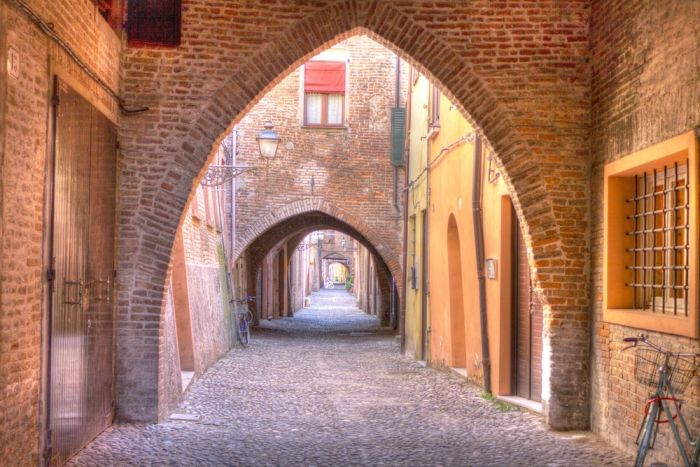 Ferrara: Day trips from Bologna
