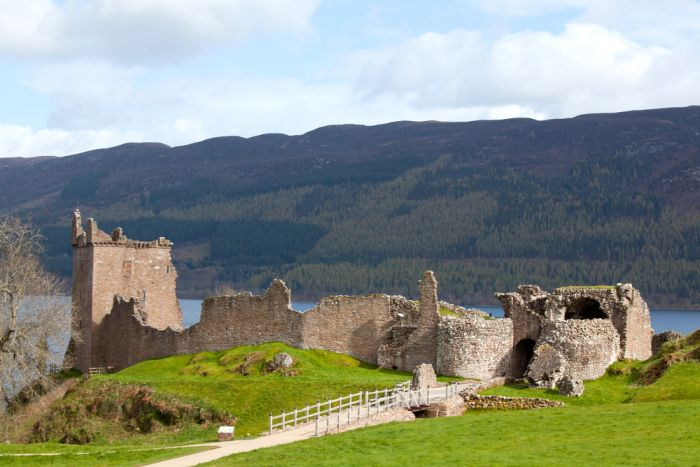 where to stay in loch ness
