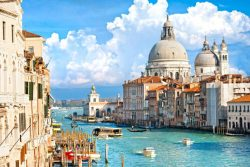 The Best Shoes for Italy Travel