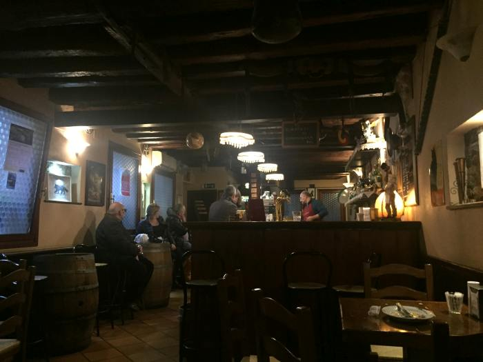 Drinking in local bars in Venice will lower your trip cost