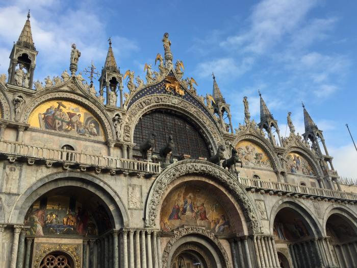 The front of the Bassilica di San Marco