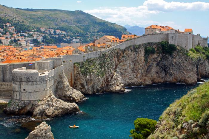 Dubrovnik's City Walls are one reason to choose Dubrovnik over Split
